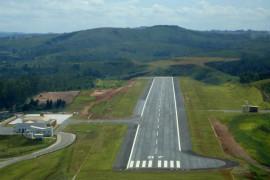 Deputado discute obras do Expominas São João del-Rei e voos regionais para o município