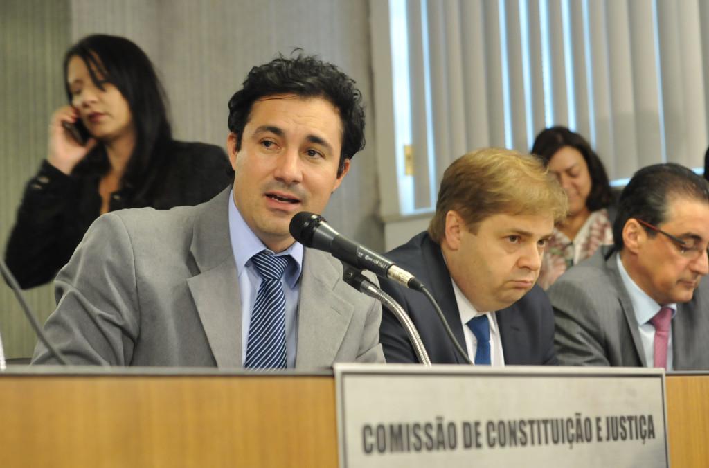 Cristiano Silveira (deputado estadual PT/MG), Agostinho Patrus Filho (deputado estadual PV/MG), João Magalhães (deputado estadual PMDB/MG)