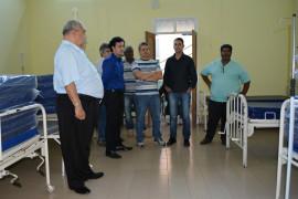 Presidente da Comissão de Direitos Humanos da ALMG visita hospital e asilo em Rio Piracicaba