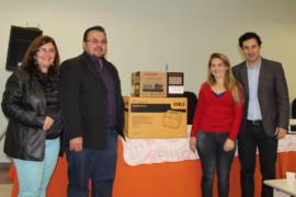 Deputado Cristiano Silveira entrega equipamentos às escolas estaduais do Campo das Vertentes