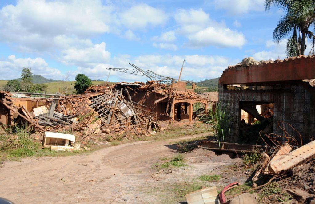 Comissão Extraordinária das Barragens visita Samarco e cidades atingidas pelo rompimento da barragem