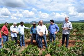 Deputados verificam situação de famílias que ocupam fazenda em Campo do Meio