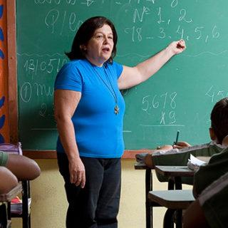 Cristiano solicita informações sobre censura de diretores de escolas