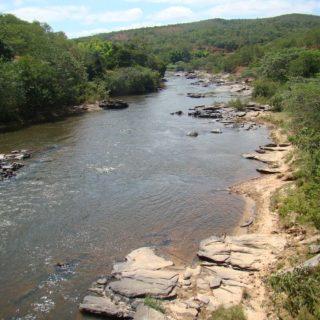 Cristiano Silveira cobra ações para despoluição do Rio Araçuaí