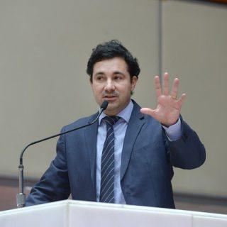 Cristiano Silveira pede que Zema faça o pagamento de emendas parlamentares
