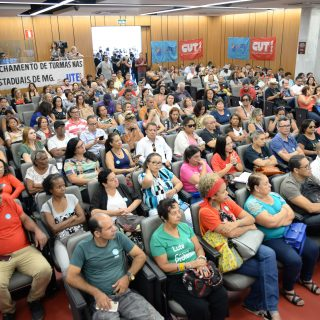 """Cristiano questiona municipalização de escolas: """"Governo no estado não pode tomar decisão unilateralmente"""""""